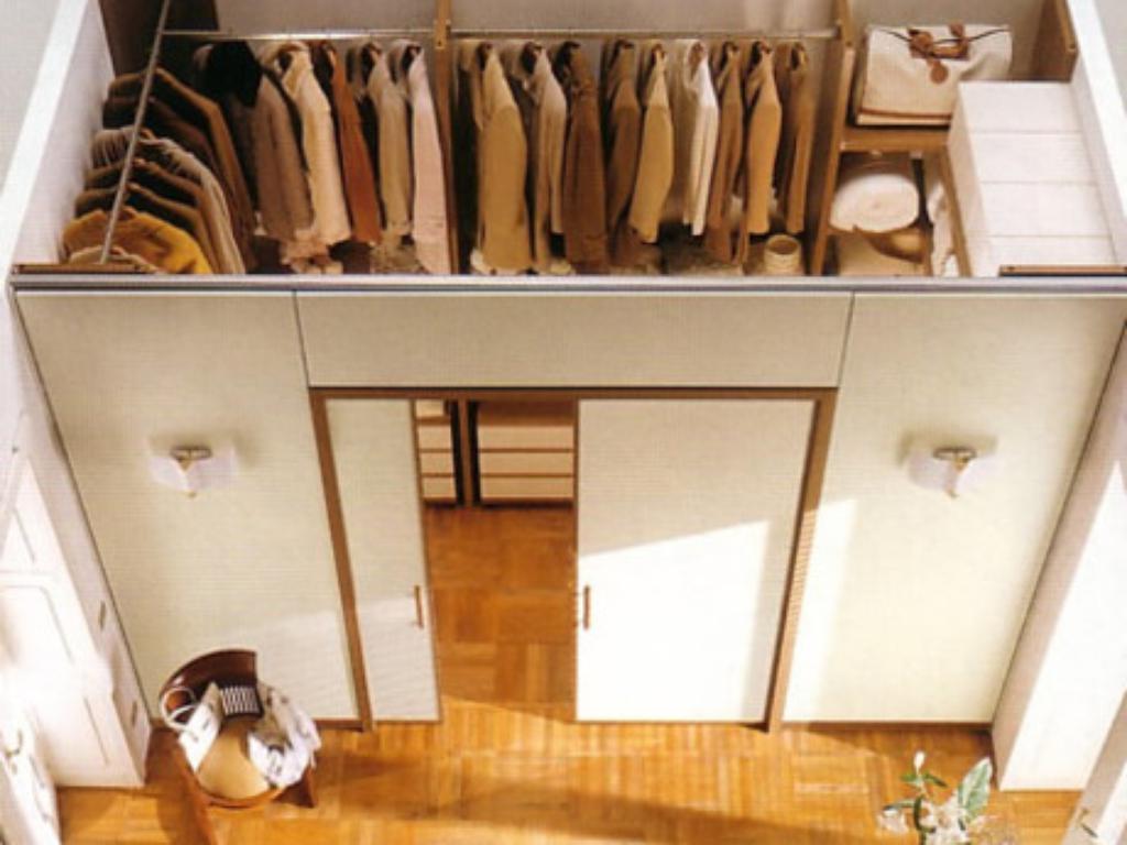Как сделать гардеробную в маленькой прихожей