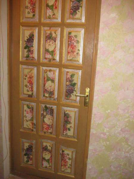 Как обновить старые двери своими руками фото