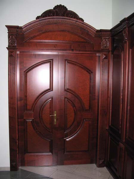 нестандартная металлическая входная дверь на заказ