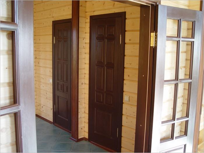 установка металлической двери в загородный дом