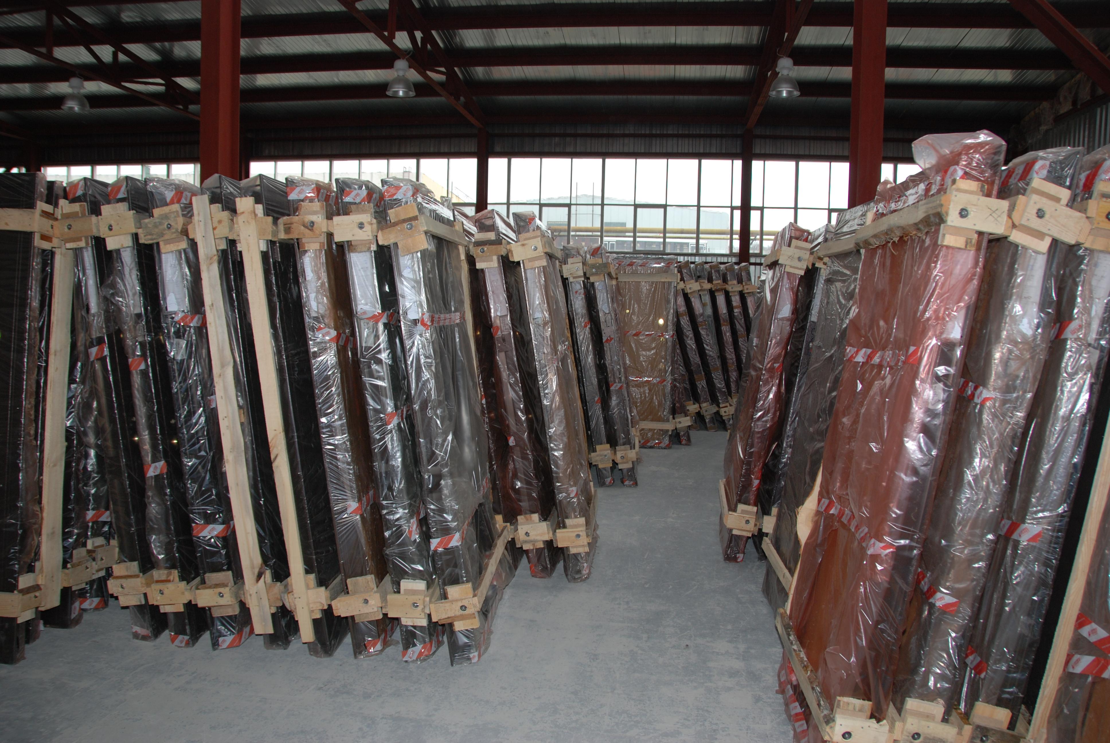 склад по продажам металлических дверей